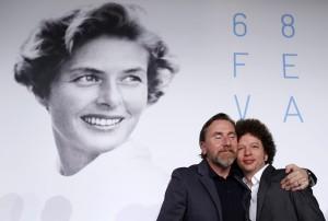 """El director de cine mexicano Michel Franco (izq) y el actor británico Tim Roth participan en una rueda de prensa durante la presentación de la película """"Chronic"""""""